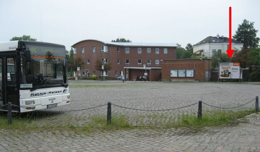 Etatsrätin-Doos-Str.. ZOB