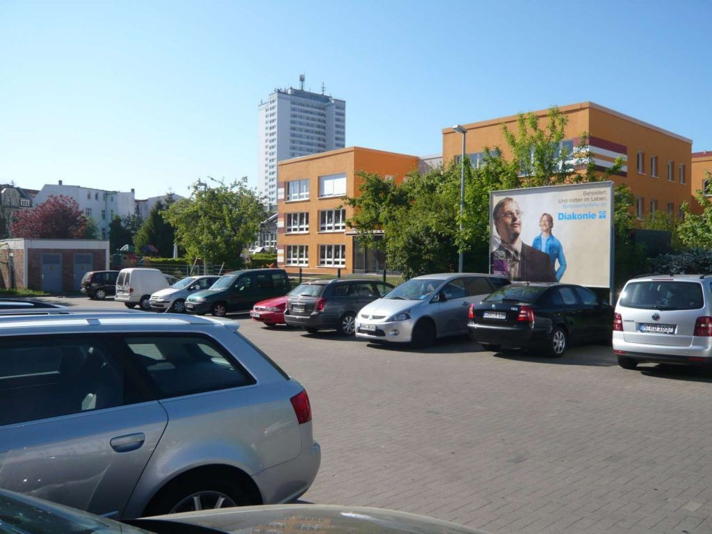 Hermannstr. 30. EDEKA.  Si.PP. parallel