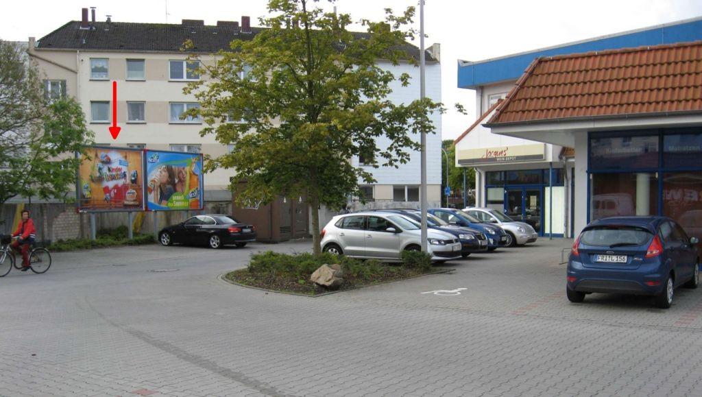 Mühlenweg 146. Rewe.  Ausf. Bismarckstr.. l.T.