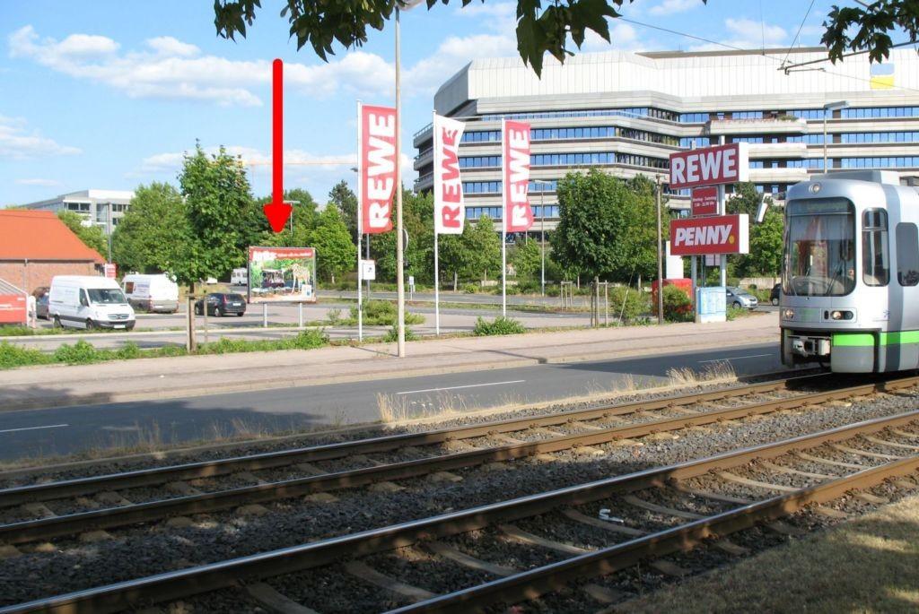 Erich-Panitz-Str./Lange Weihe. Rewe. Si. Str.