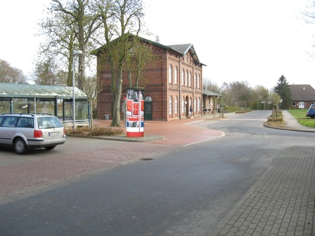Bahnhof / Schwarzer Weg