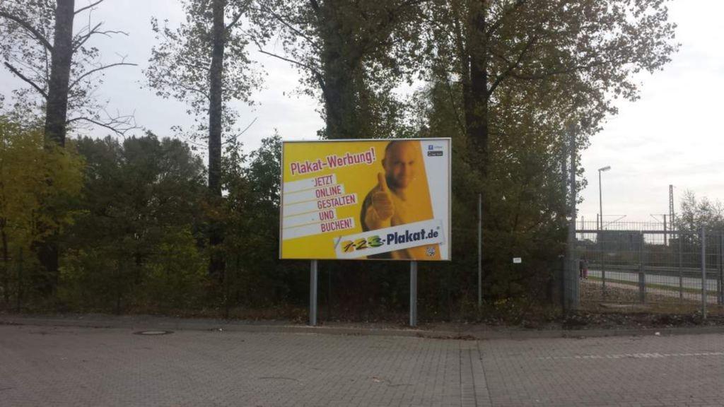Hannoversche Str. 83. KIK. Sportplatz