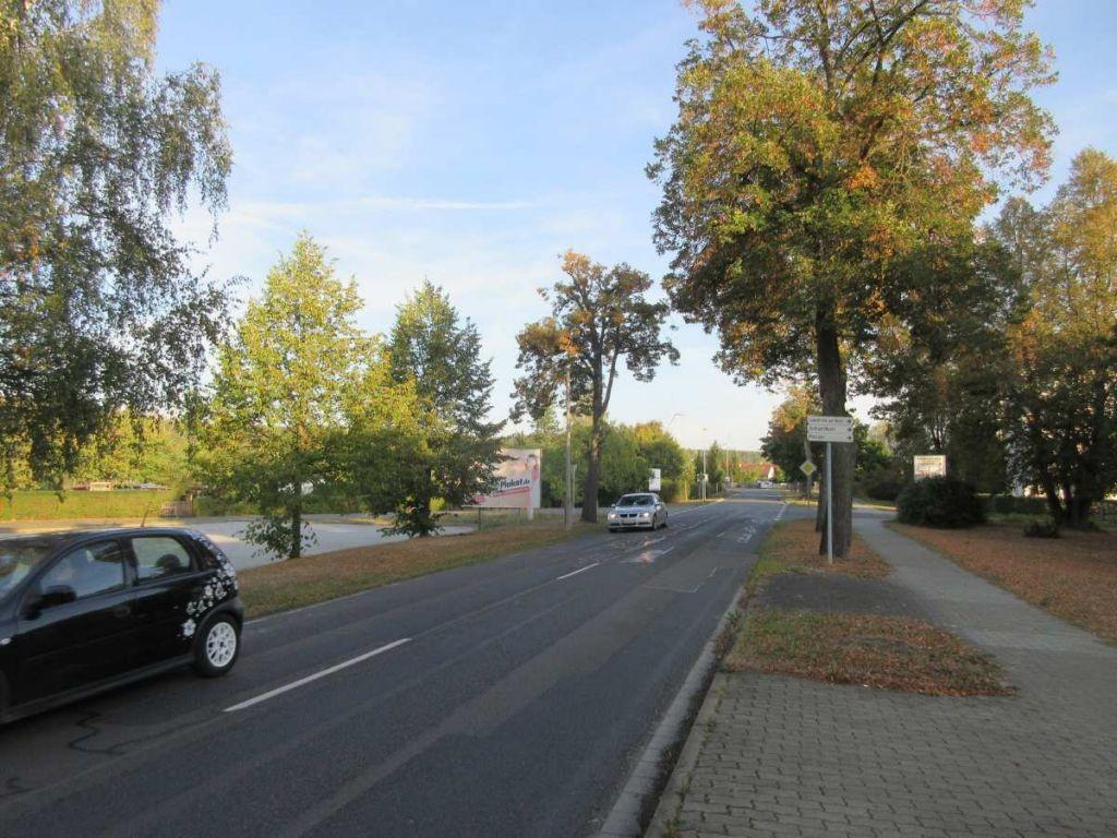 Ruhlander Str. 19. PY. Sicht Markteinfahrt
