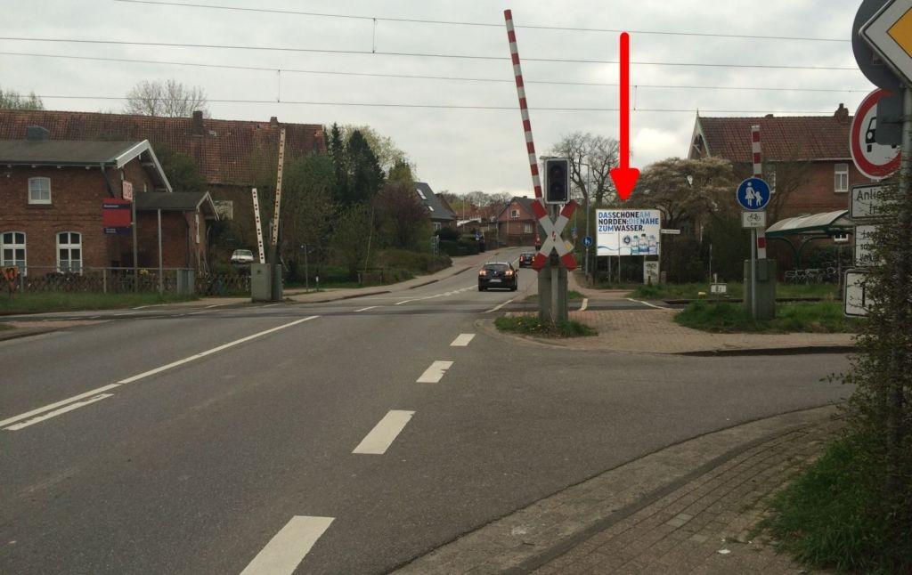 Jorker Str. 5. Si. Bahnübergang