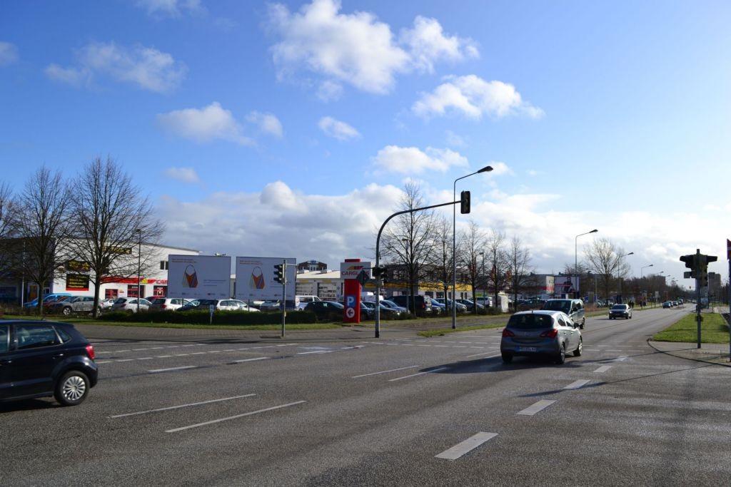 St.Petersburger/Talliner Str. 3. Sicht Kreuzung rechte Tafel
