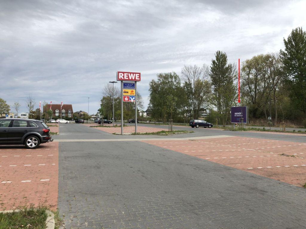 Waldweg 2. Rewe Sicht Markt