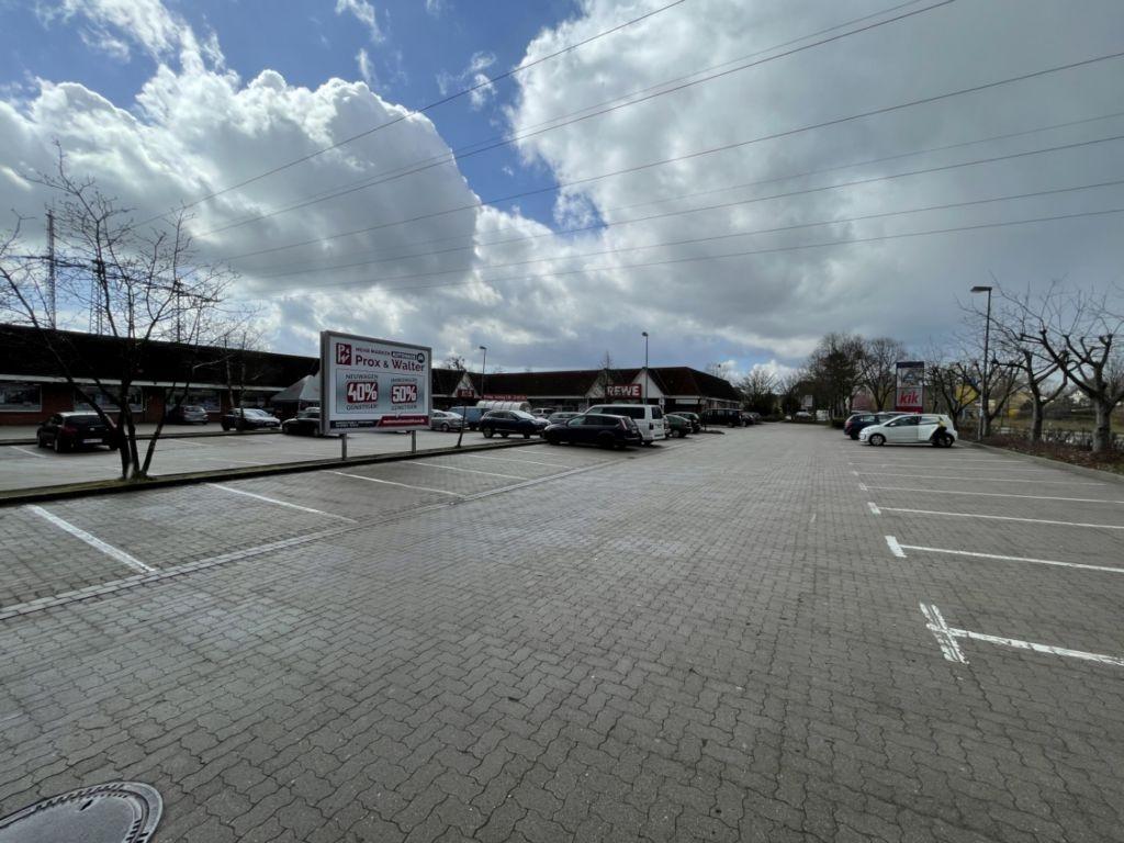 Rudolf-Tarnow-Str. 62. REWE. Sicht Markt