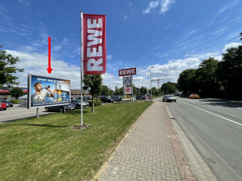 Westmoor 2. Rewe. Sicht Straße