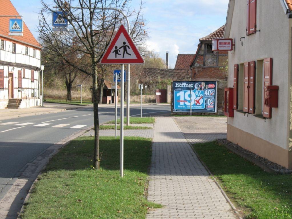Hauptstr. 12 =  B 246.  quer
