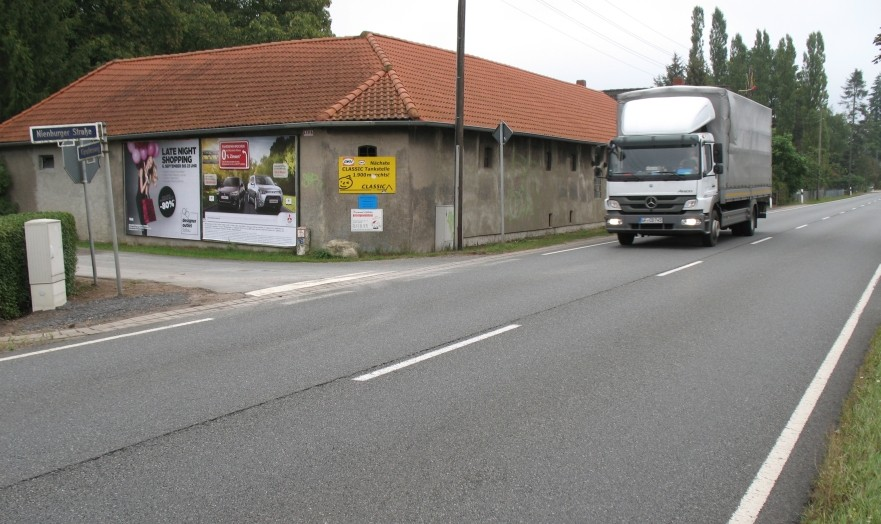 Nienburger Str./Kämpfersweg r.T. quer