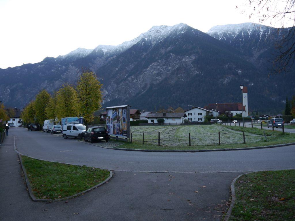 Nähe Volksschule, Hauptstraße 7