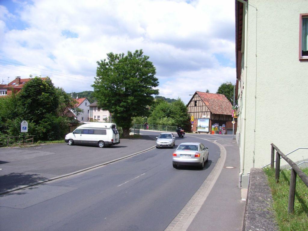 Lohrer Str. 37, B 276, Gasthof zur Traube / Bergstr.