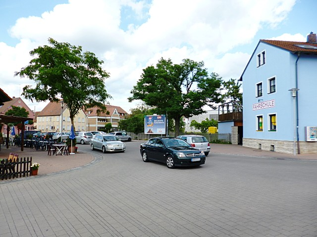 Dr.-Heinrich-Eidam-Platz nh. / Nürnberger Straße