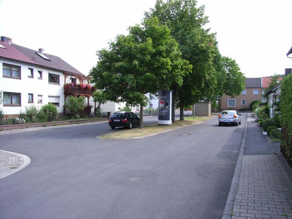 Ost-West-Straße gg. 15