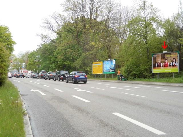 Adenauerring, B 12/Berliner Platz nh. Parkbucht