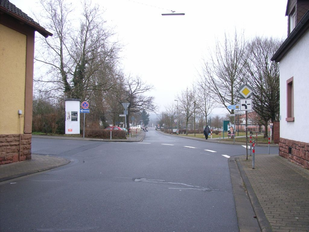 Friedhofstraße gg. 36 / Jahnstraße