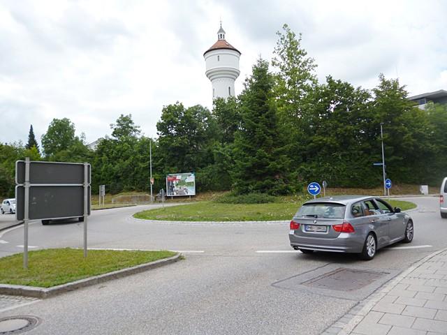 Innere Neumarkter Straße / Töginger Straße / Kreisverkehr