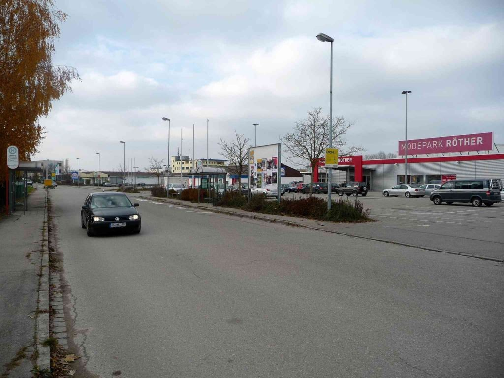 Oderstraße, Röther Modemarkt, Parkplatz (VS) Bush.