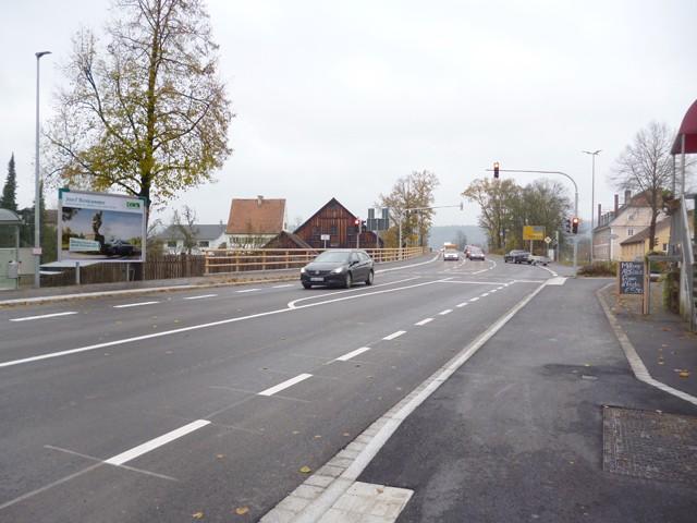 Bahnhofstraße, B 299, Bush. gg. / Innstraße gg. Restaurant