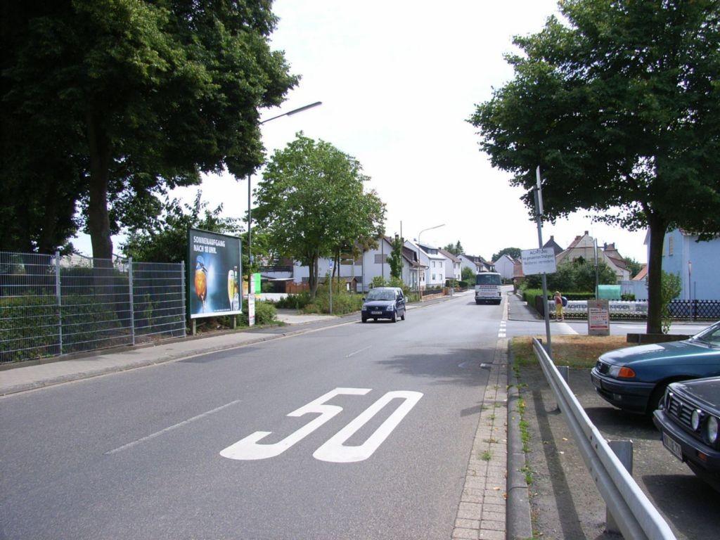 Bönnstädter Straße gg. / Breslauer Straße, Mehrzweckhalle