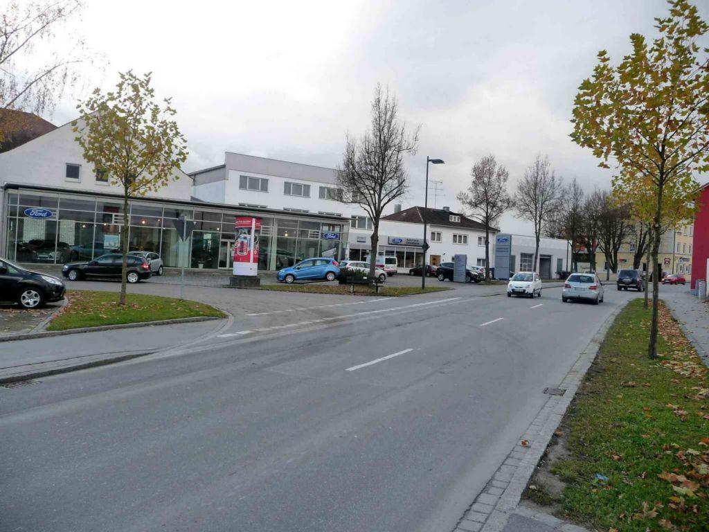 Straubinger Straße, B 8 / Silostraße          3,00 x 3,80