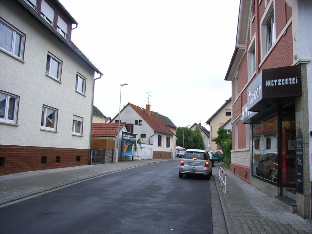 Von-Weber-Straße 4 nh. / Mozartstraße gg. Metzgerei Ricker