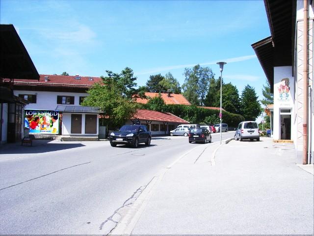Ludwig-Thoma-Str. gg. 39,VW, Bush./Anzengruber Weg