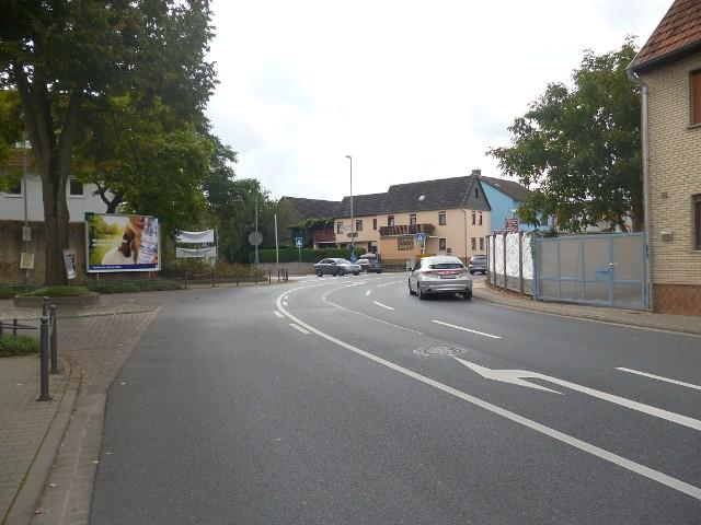 Schloßstraße / Vilbeler Straße, B 521