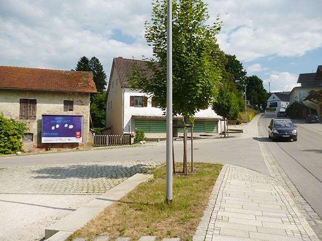 Untere Hofmark gg. 7, Parkplatz