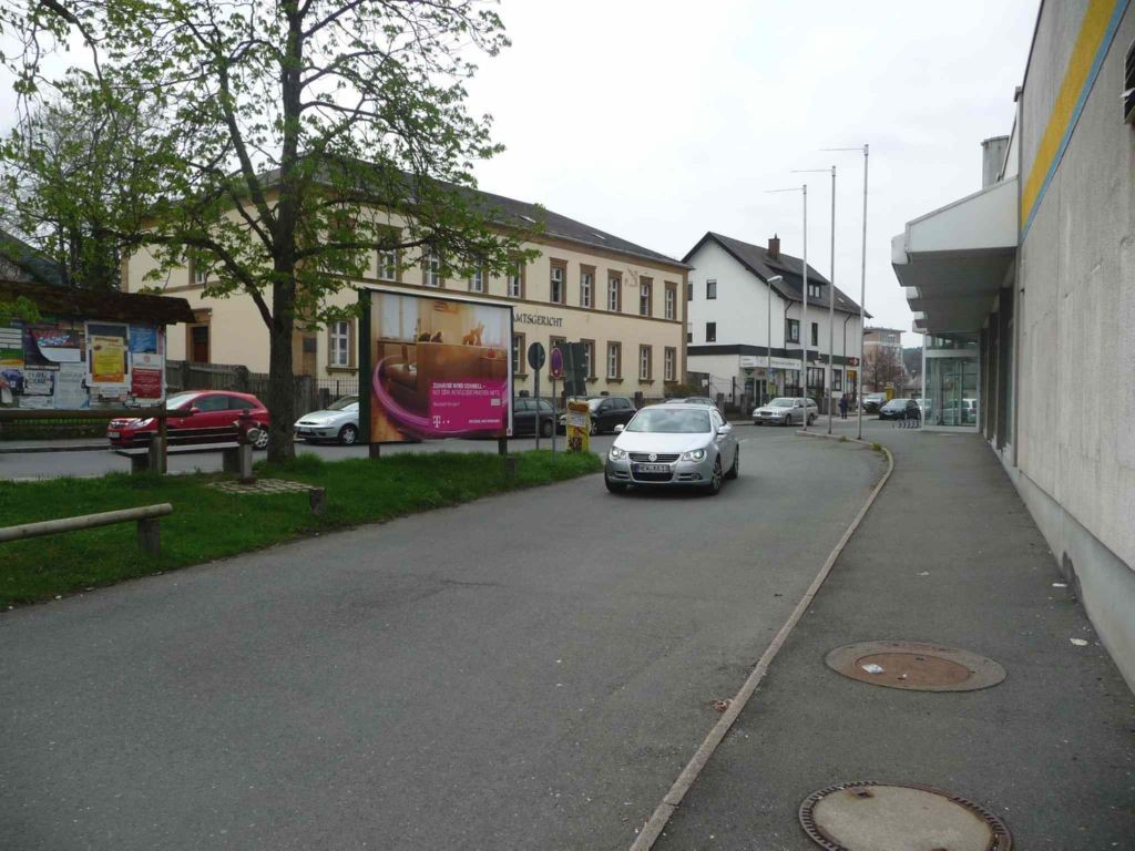 Bahnhofsteig gg. 3 (RS)