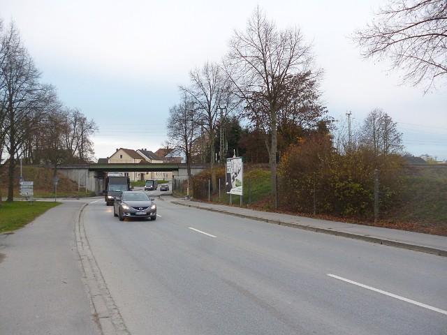 Deggendorfer Straße gg. 32 gg. / Leitenweg