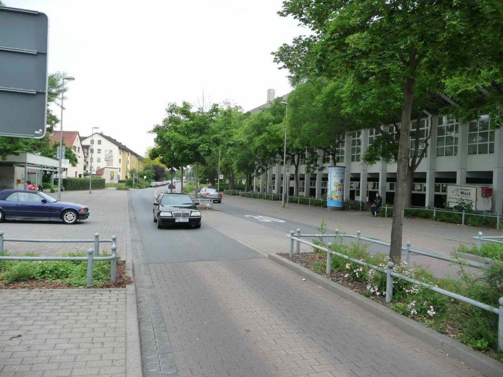 Seidelstraße, Frankenstolz-Arena, Bush.         3,00 x 3,80