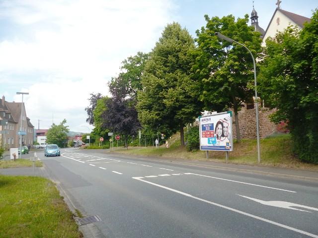 Wernfelder Straße, B 26 gg. 37 nh. / Friedenstr.Bahnhof