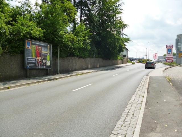 Nürnberger Str., B 2, nh. 20 gg. Fahrrad Waldhof