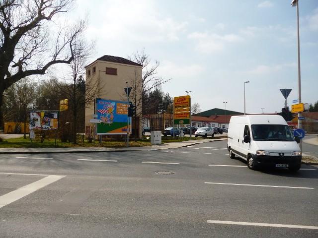Industriestr. gg. / Altstadtring nh. Netto-Markt, Trafo