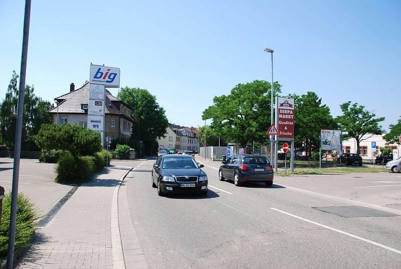 Werner-v.-Siemens-Str. 34 /Serpa Markt/Einfahrt