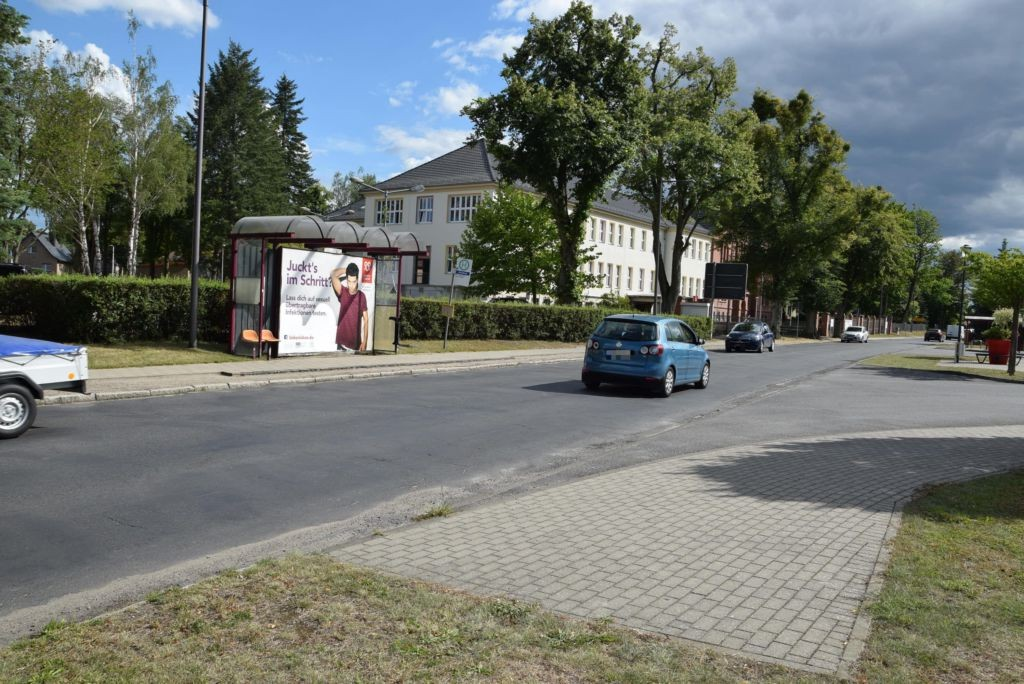 Falkenthaler Chaussee/Hts Amtshaus/einwärts (WH)