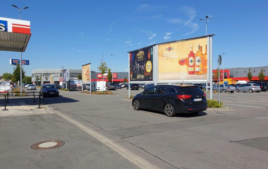 Amselstr. 10 /Rewe/linke Einfahrt/Sicht Merkur Casino/Sto. 4
