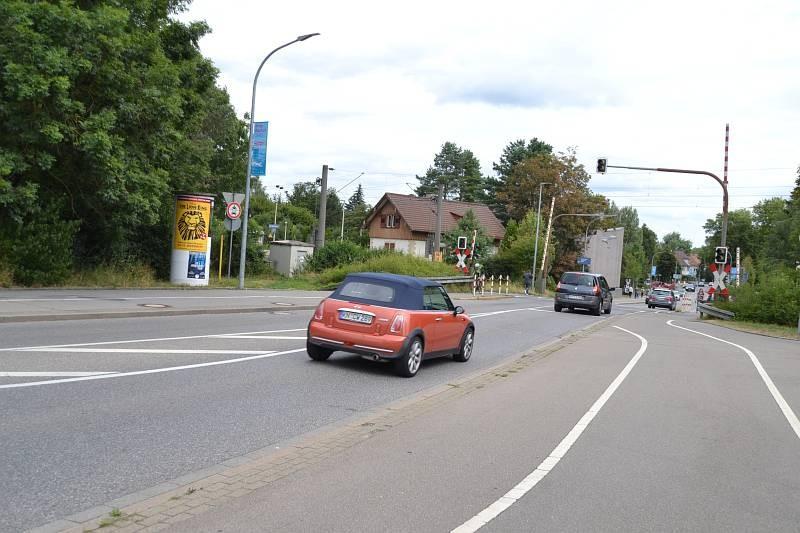 Schaffhauser Str/B 34/Plappertweg/beim Bahnübergang