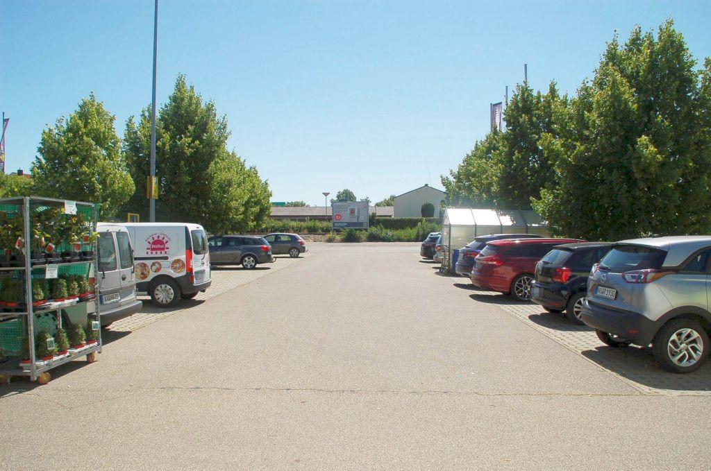 An den Langenwiesen 1 /E-center/Einfahrt (rts)
