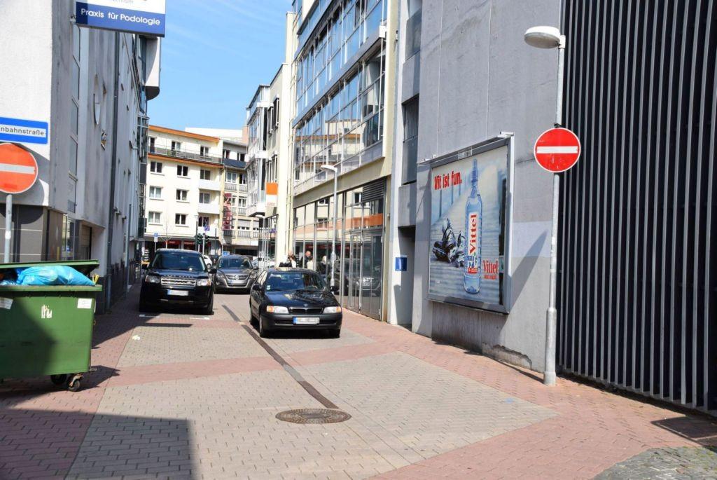 Grüner Graben/geg. Schmiedstr/neb. Eingang City-PH