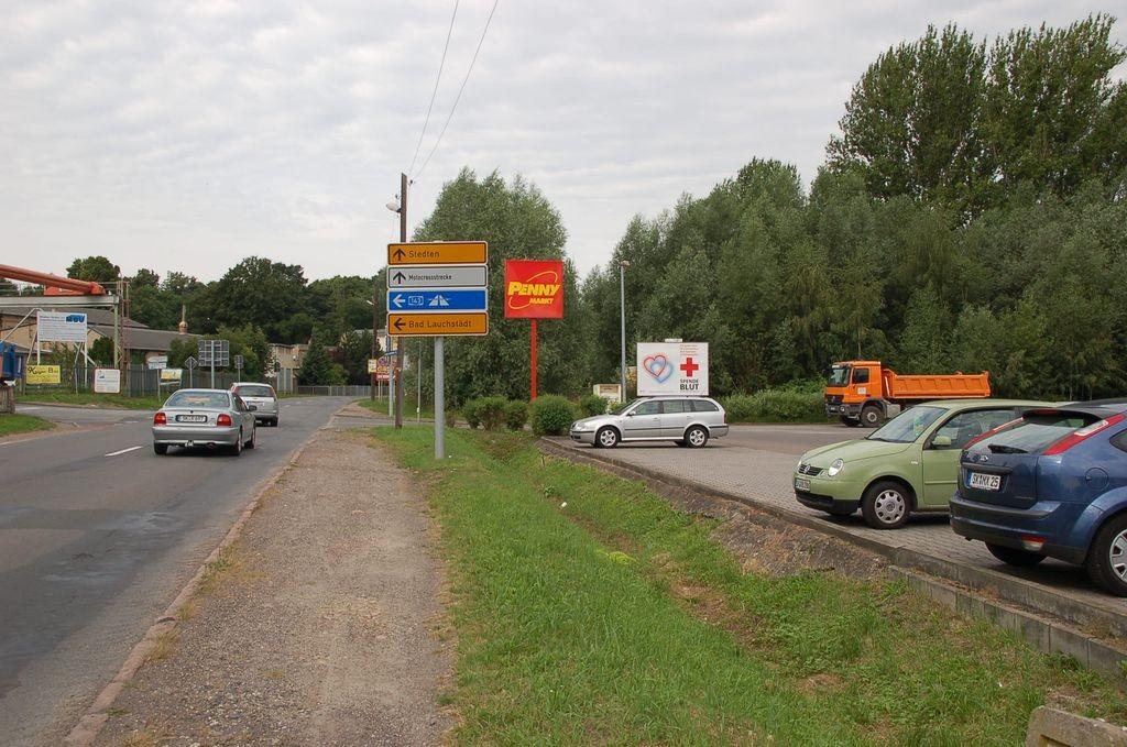 Albert-Heise-Str. 54 /Penny/Einfahrt (quer zur Str)