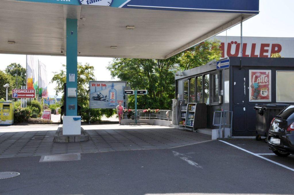 Seckenheimer Landstr. 246 /E-center/lks vom Eing (bei Tkst)