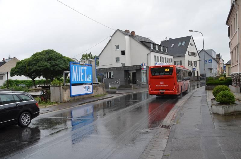Aachener Str. 69/parallel