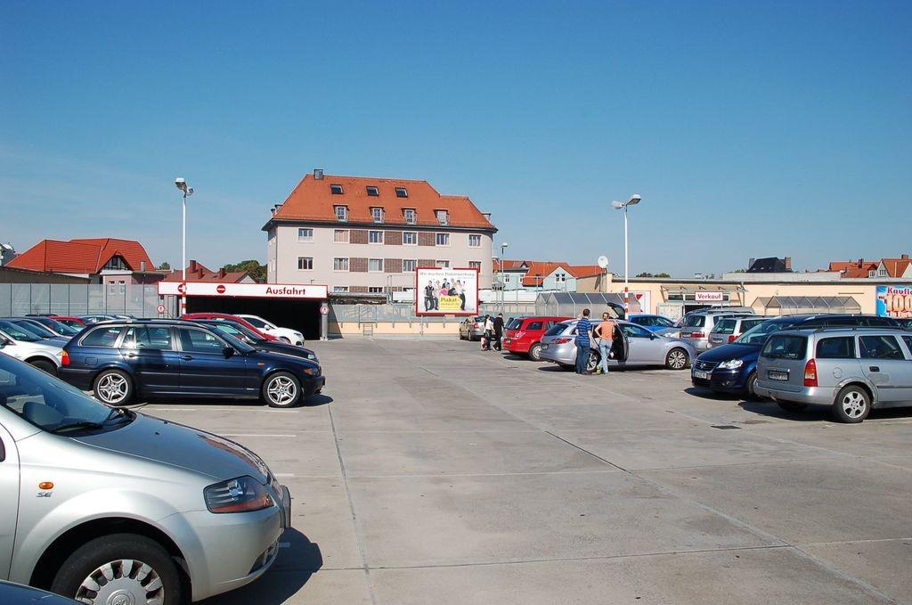 Mühltor 1 /Kaufland/Parkdeck/lks vom Eingang