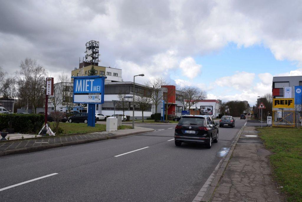 Chemnitzer Str/neb. Nr. 10/Hallesche Str/WE lks (City-Star)