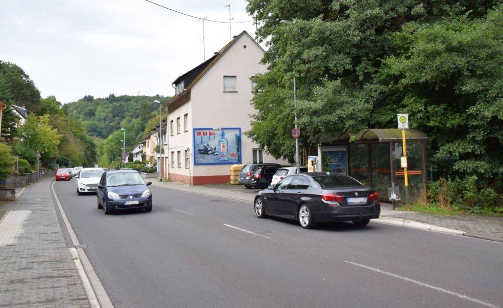Vollmersbachstr. 44 (quer zur L 177)