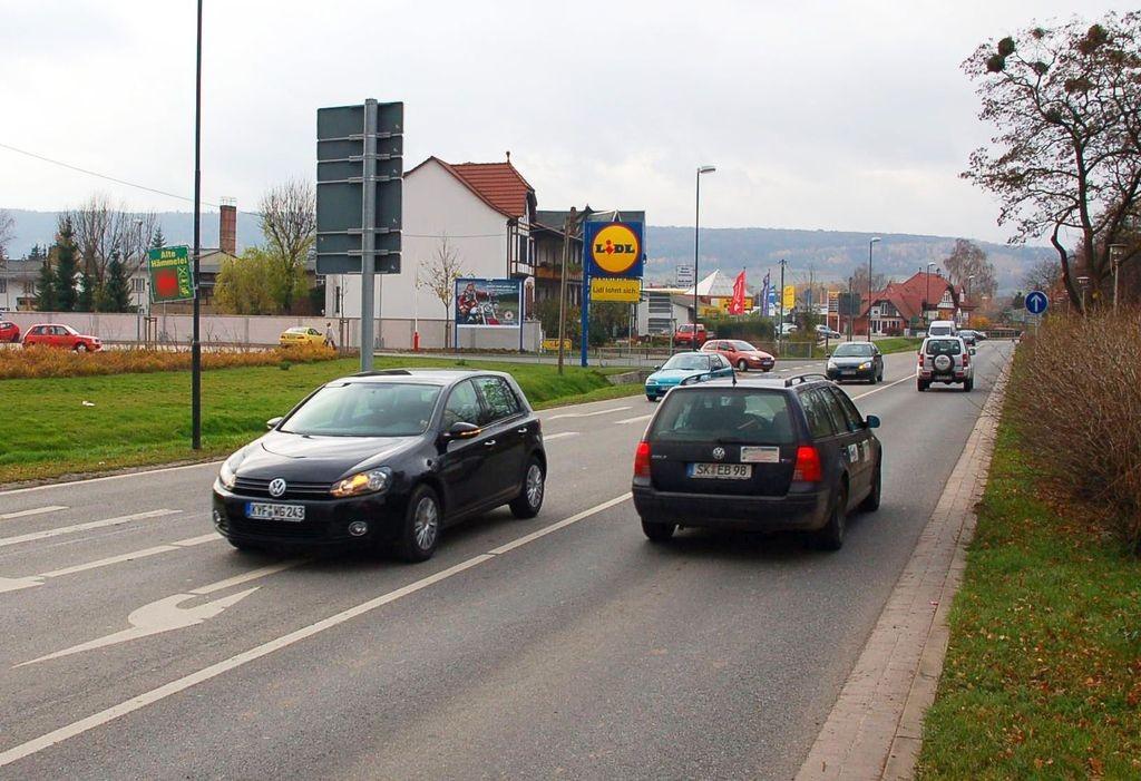 Kyffhäuserstr. 64 /Lidl/Einfahrt (quer zur B 85)