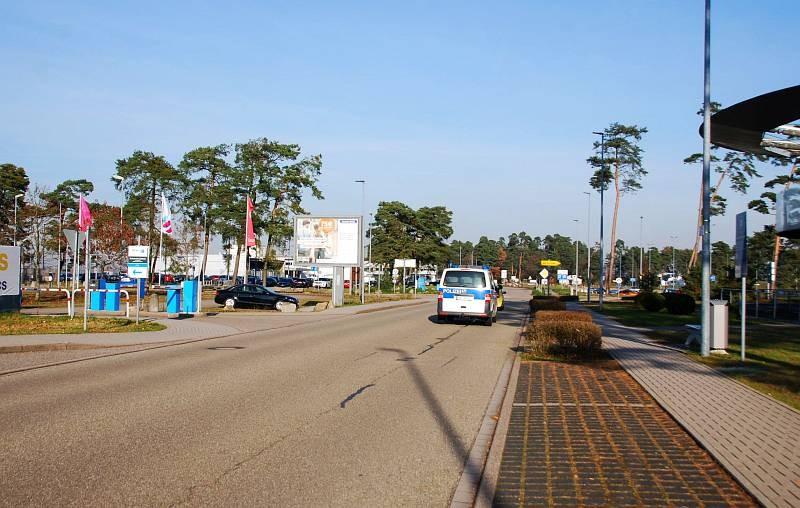 Baden-Airpark/Halifax Avenue B/Airport Boulevard B/WE lks