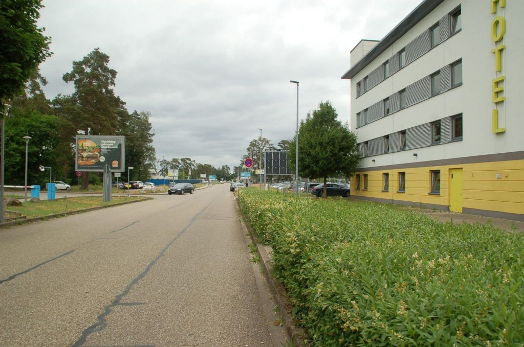 Baden-Airpark/Terminal/geg. B&B-Hotel/WE lks